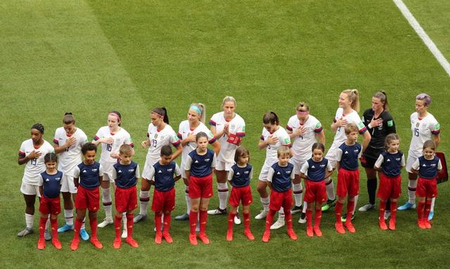 FILE PHOTO - Soccer Football - Women's World Cup Final - United States v Netherlands - Groupama Stadium, Lyon, France - July 7, 2019  General view of the U.S. team before the match    REUTERS/Lucy Nicholson