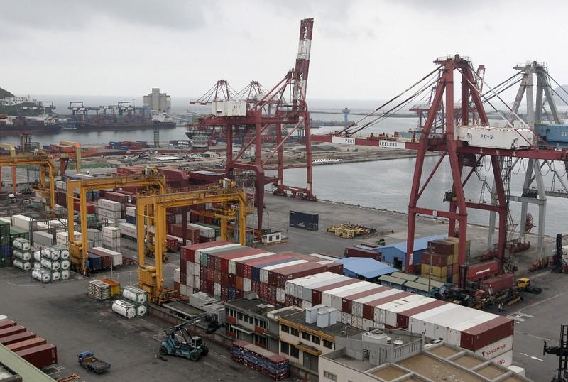 Taiwan export orders seen falling for ninth straight month in July: Reuters poll
