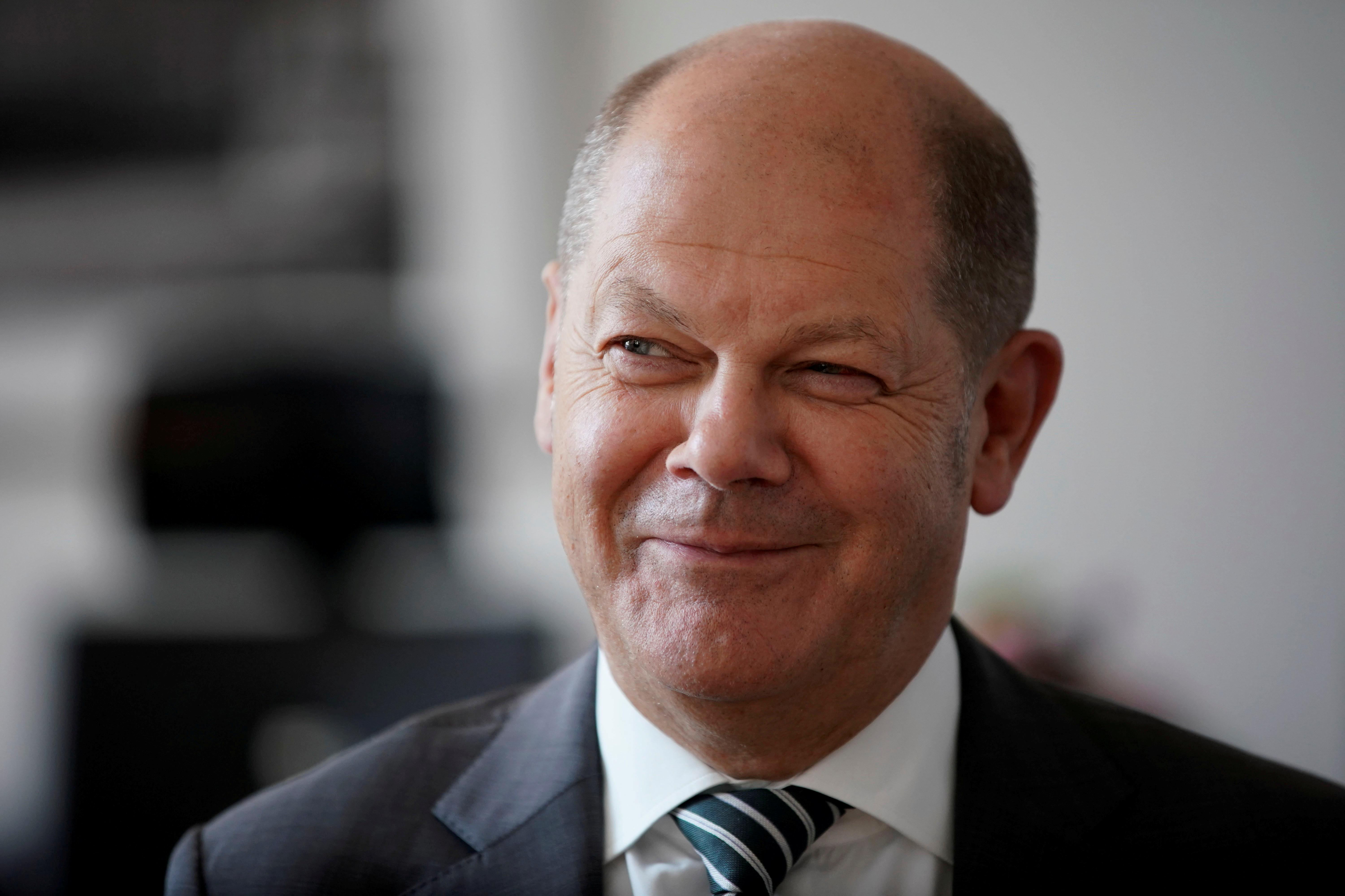 Scholz wants to remain finance minister despite SPD leadership candidacy: RND