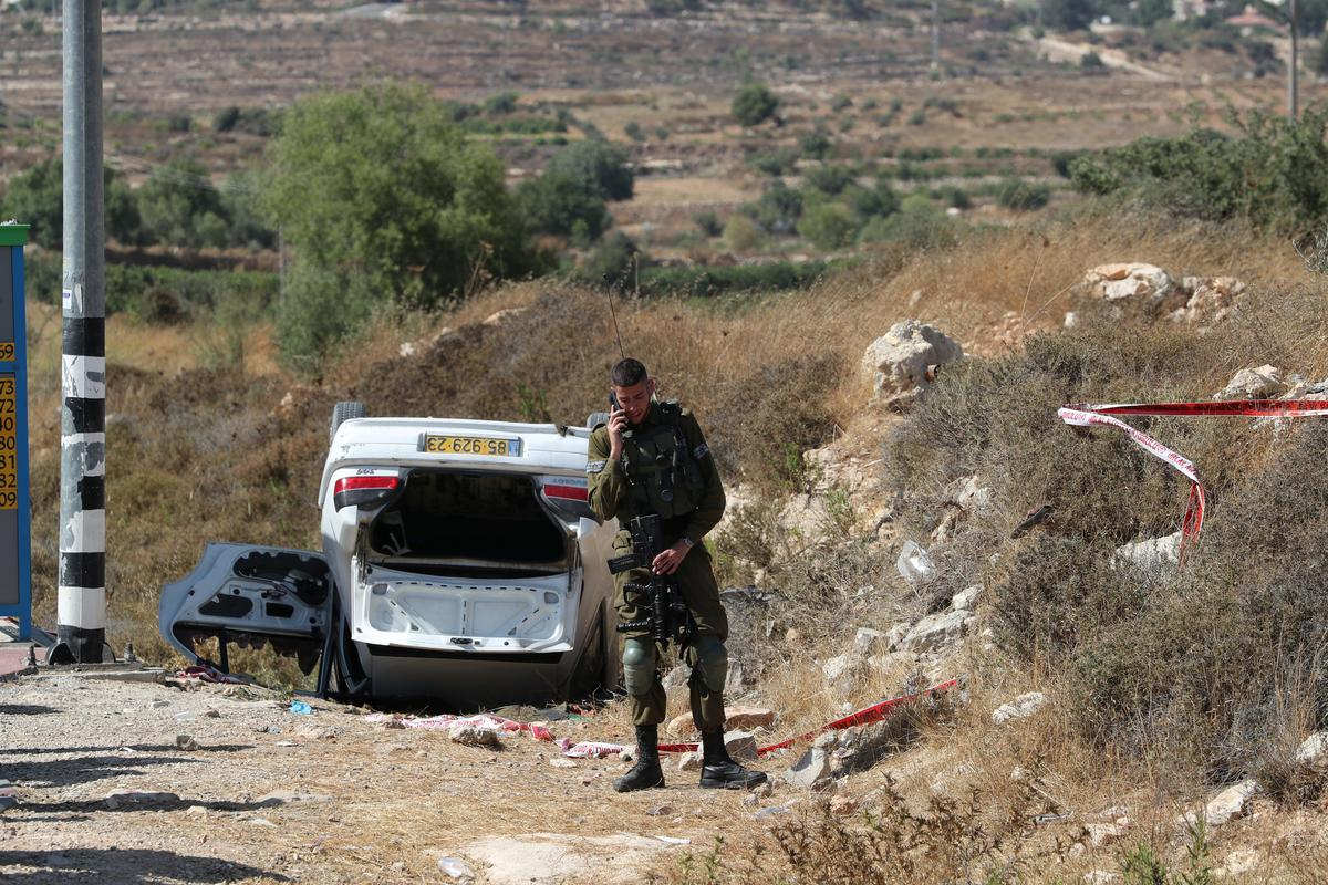 Driver shot dead after ramming car into Israeli civilians in West Bank