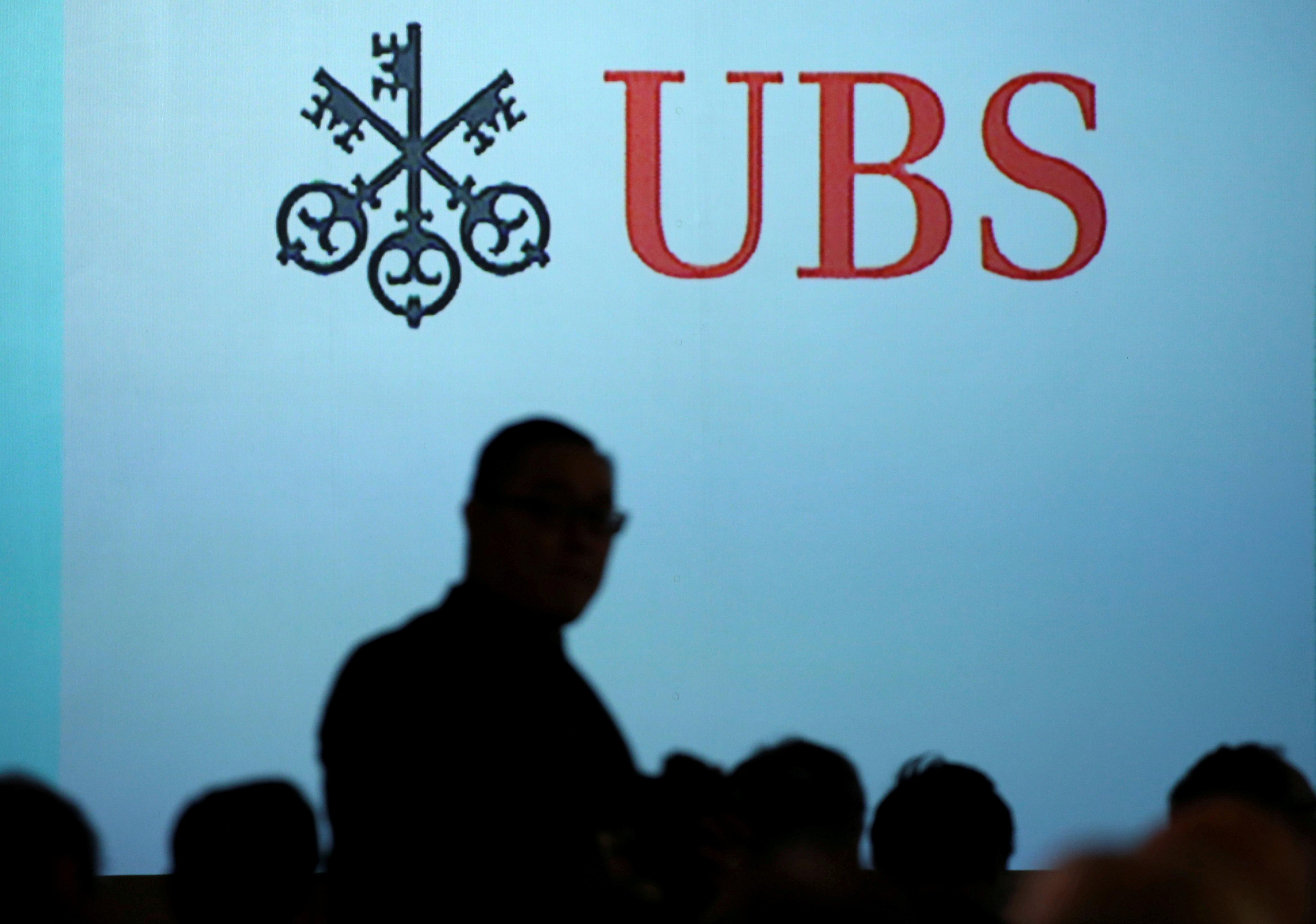 UBS hires Damergy to run medical device investment banking - memo