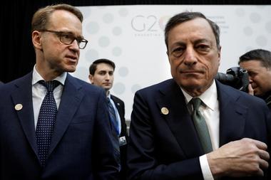 コラム:ECBに緩和の「白紙委任状」、独マイナス成長で