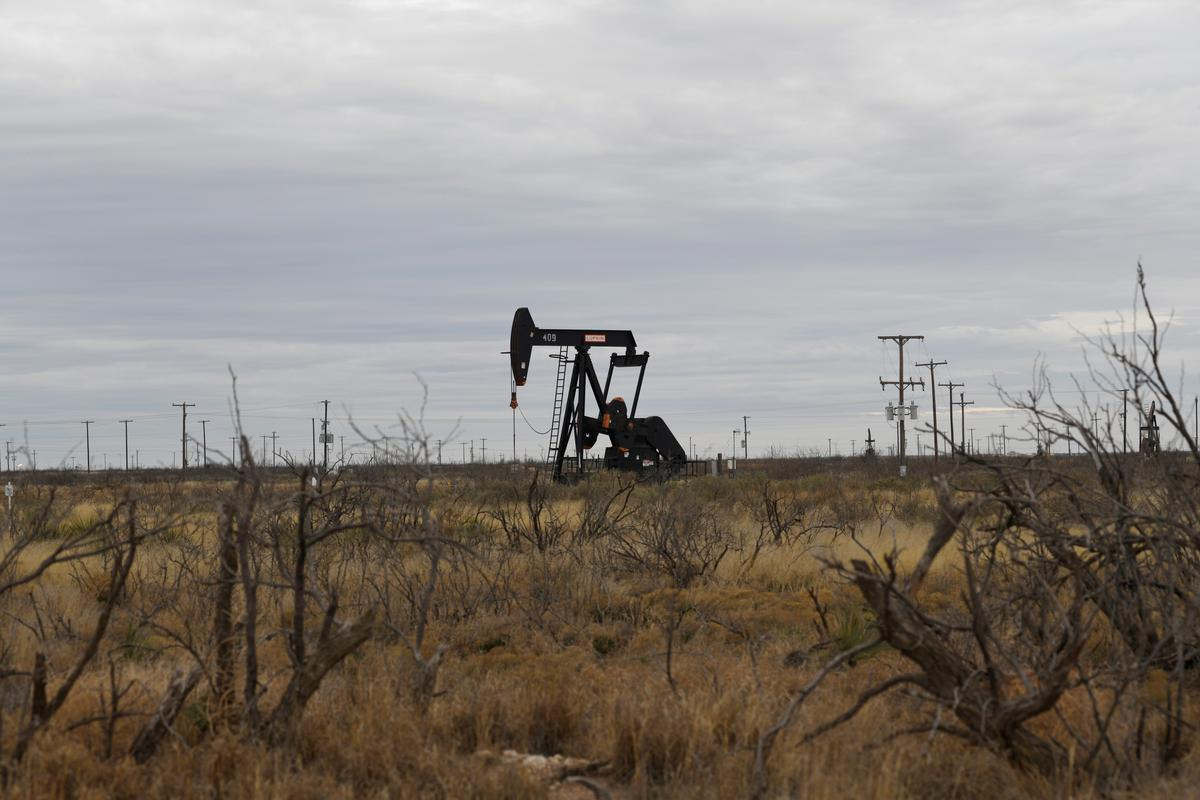 Oil rises after Saudi oilfield attack, but recession worries cap gains