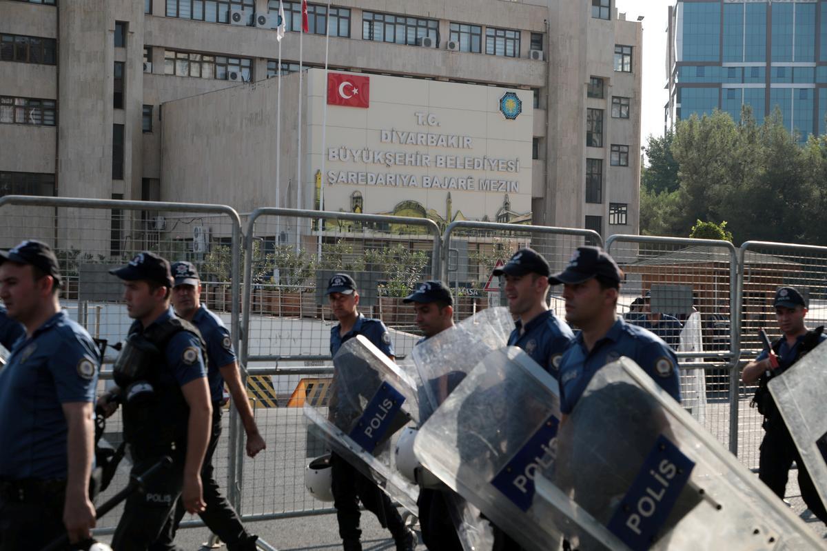 Turkse polisie hou 418 mense in hegtenis in die Koerdiese militante ondersoek: ministerie