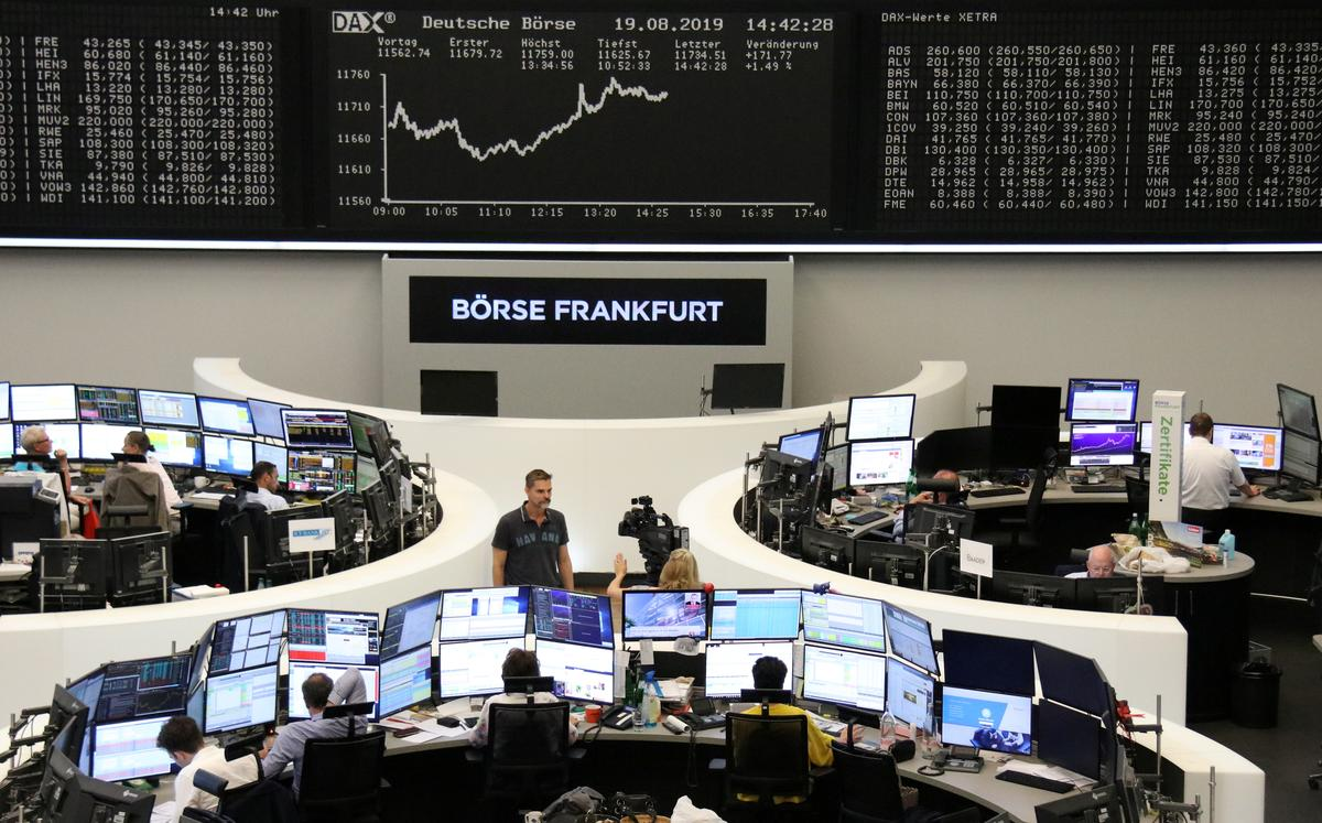 Stimulus hopes drive up European shares for second session