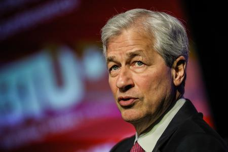 Top U.S. CEOs say companies should put social responsibility above profit