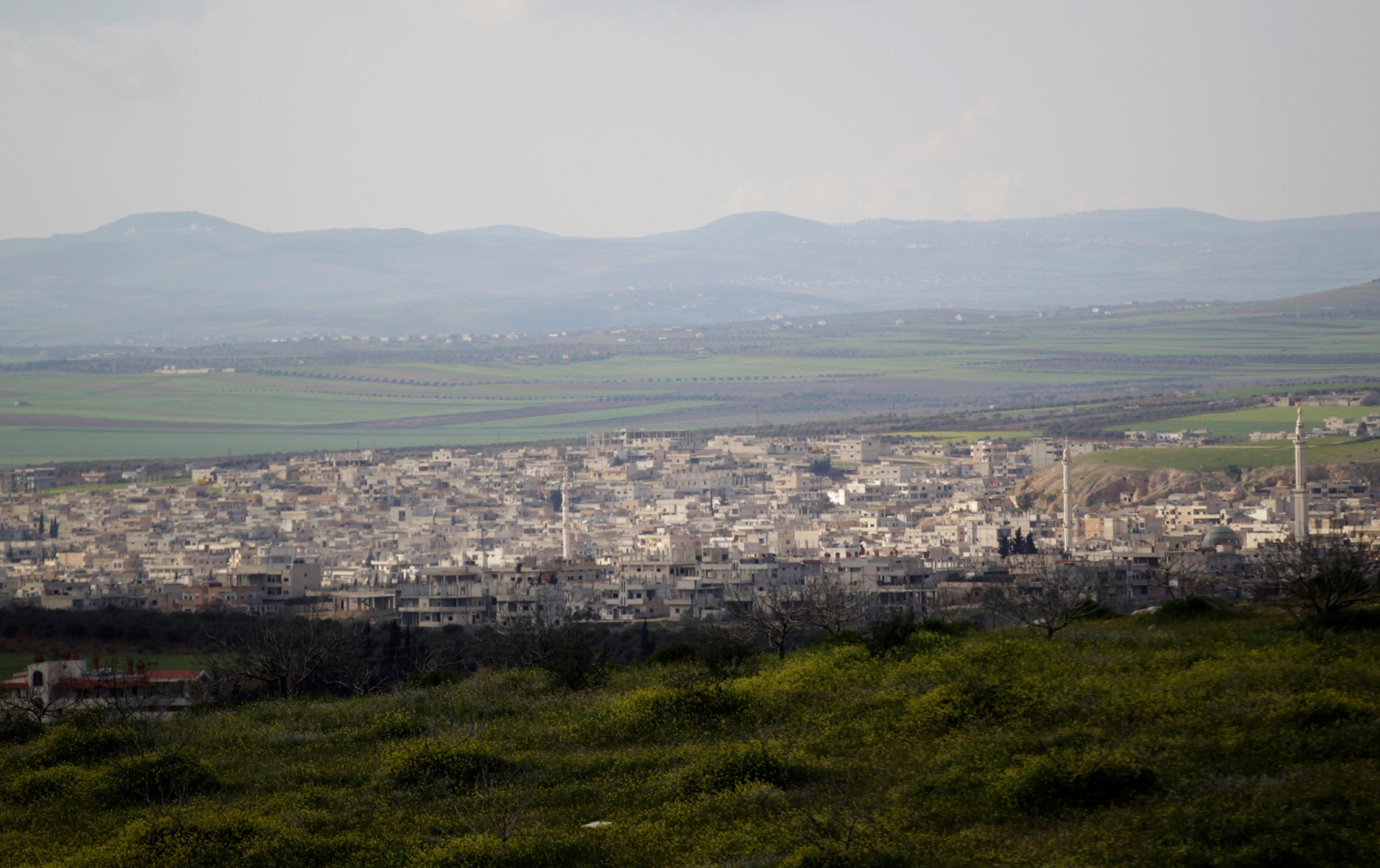 Syrian army poised to take key town in northwest