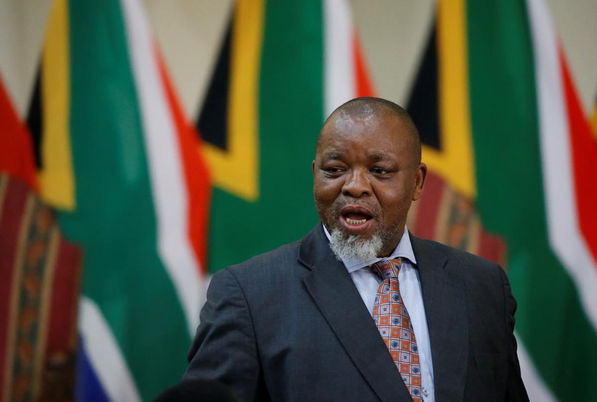 Suid-Afrika sal 'bekostigbare' benadering tot kernkrag benader: minister