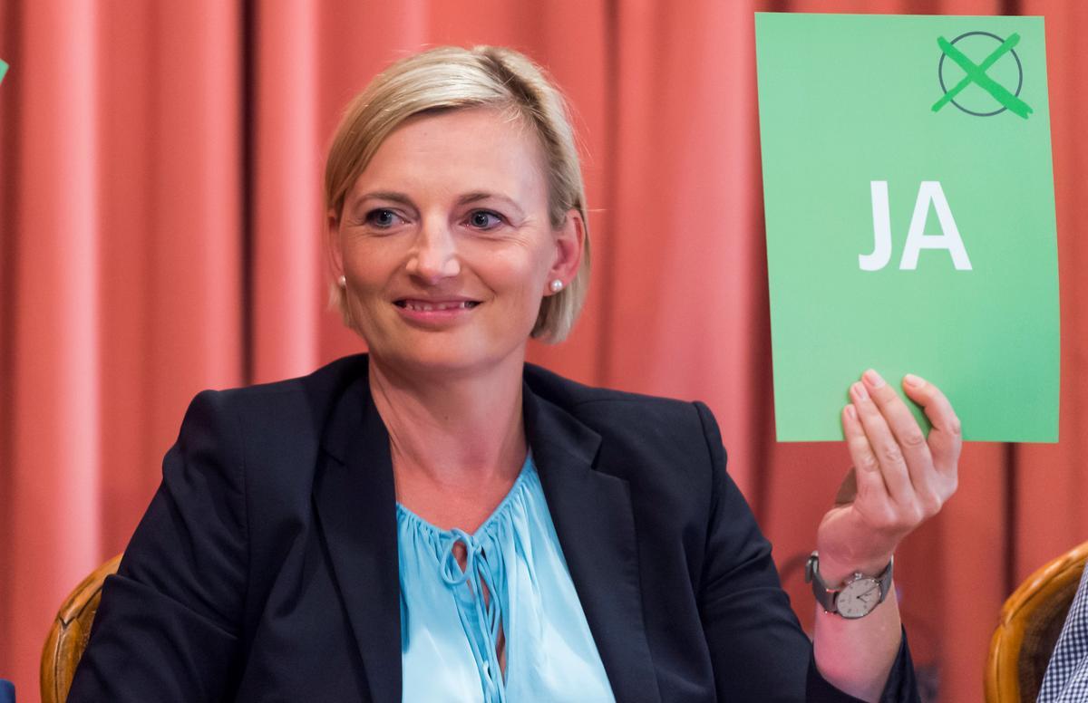 Die regse party-oplewing in Oos-Duitse streke bedreig Merkel se koalisie