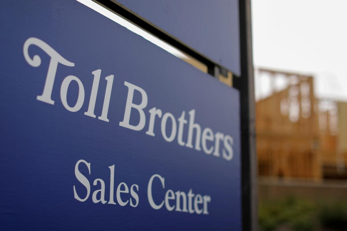 Toll Brothers posts lower profit, revenue; sells less homes