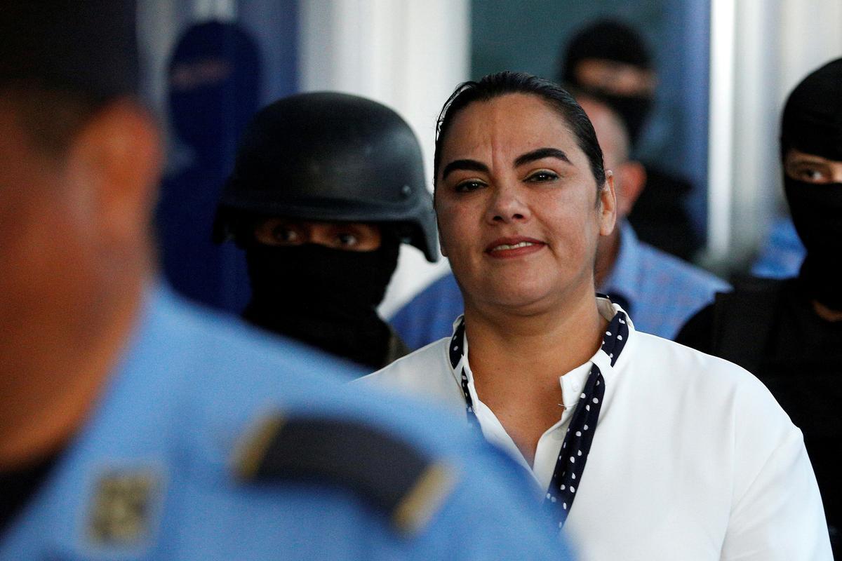 Vrou van oudpresident van Honduras wat in korrupsiesaak skuldig bevind is