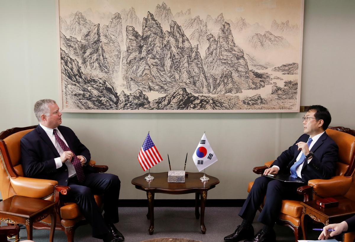 Die Amerikaanse gesant Biegun sê dat hulle daarop sal fokus om Noord-Korea te ontketen, ontslaan die Russiese pos