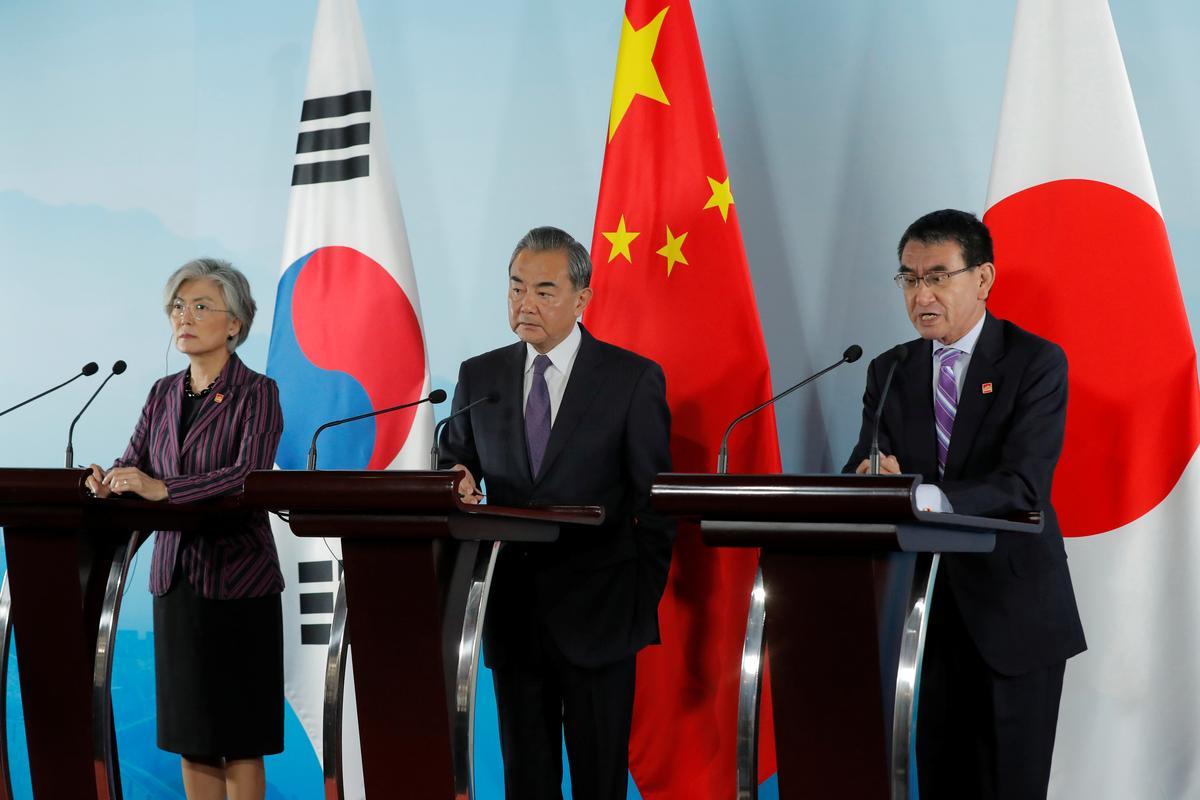Japan se Kono wil vorder met die oplossing van oorlogswerkers met Seoul