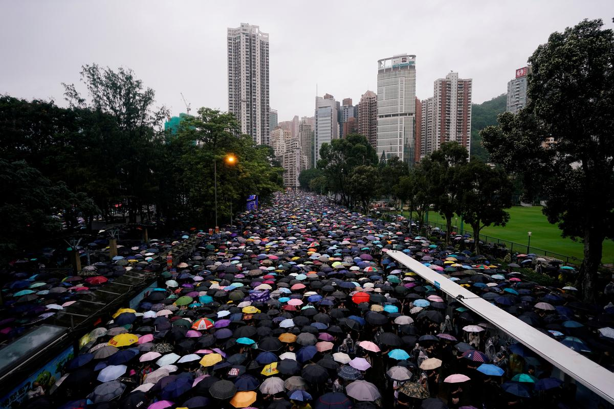 Australië sien stormloop van Hongkong-miljoenêrs te midde van onrus