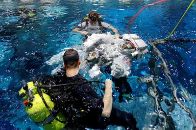 Astronauts train for new Starliner spacecraft