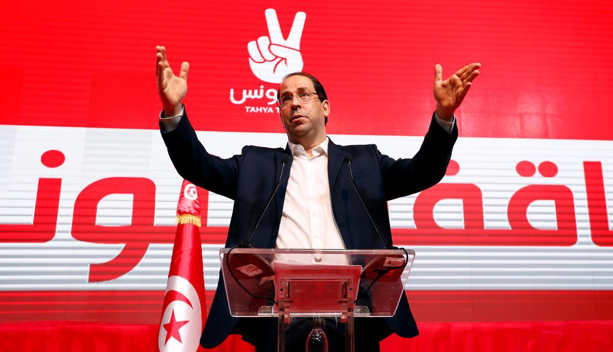 Tunisiese premier delegeer sy magte om op die presidensiële ras te fokus