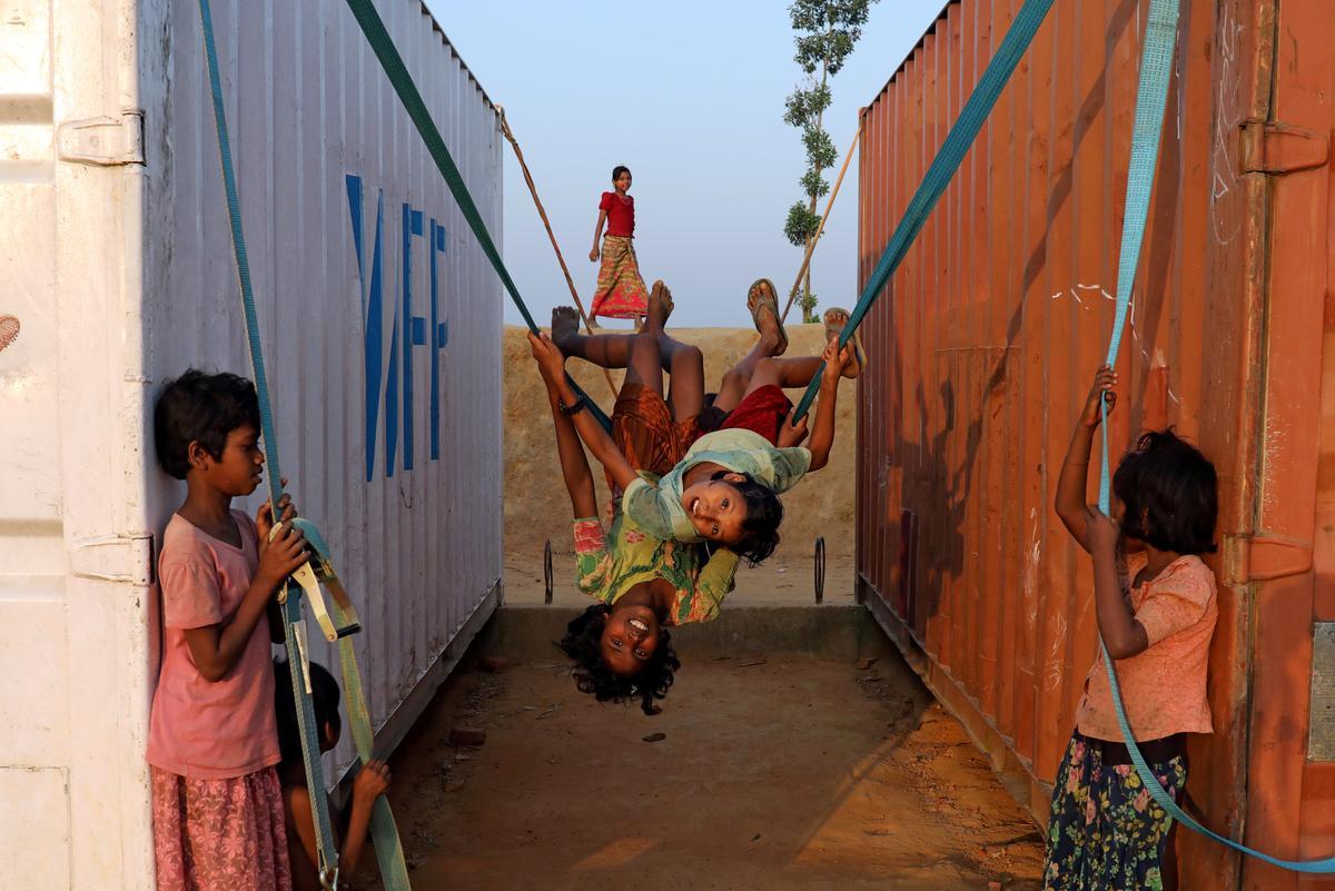 'Mense het weggekruip': Bangladesh het gevra om Rohingya-stalletjies weer terug te neem terwyl vlugtelinge weier