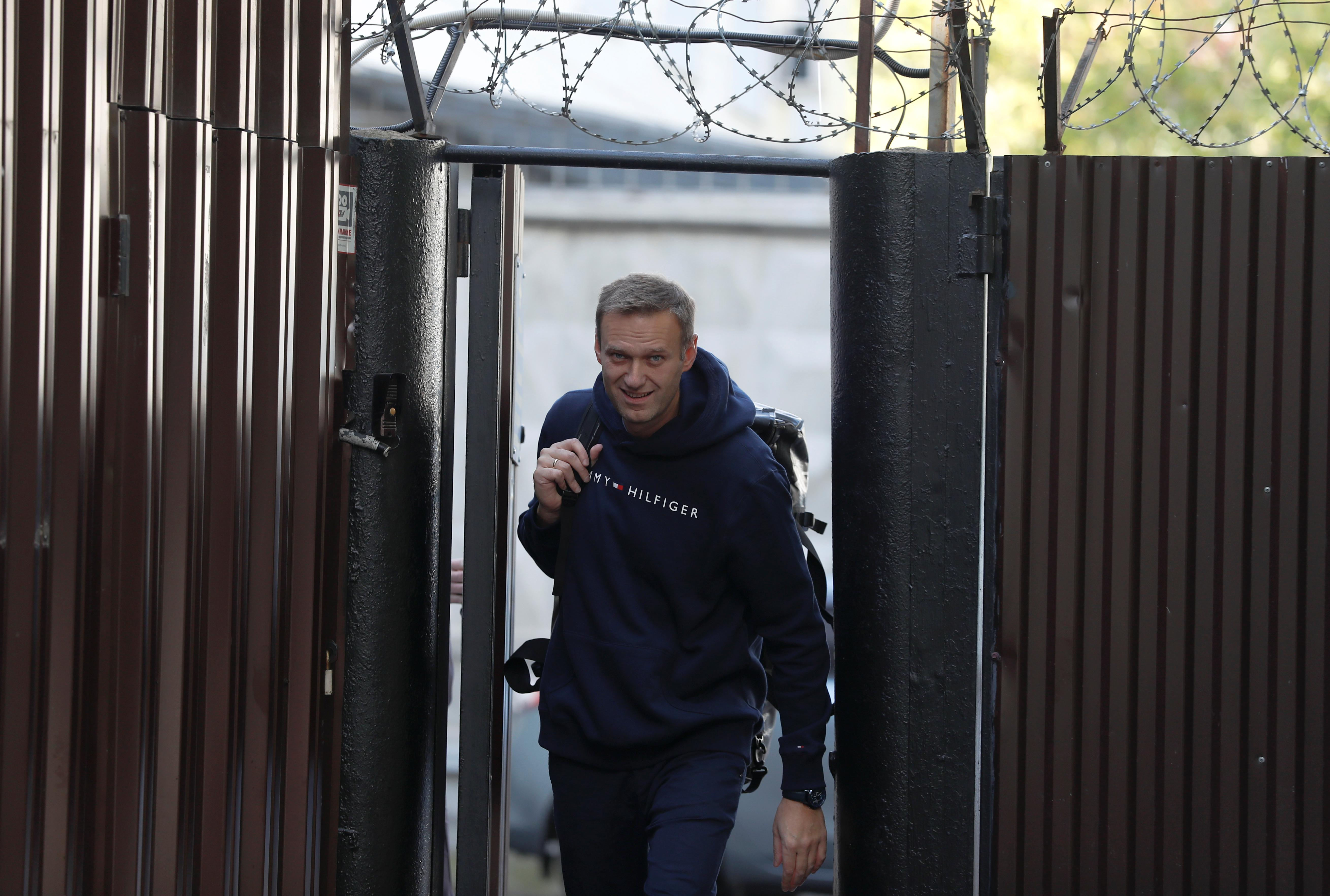 Freed Kremlin critic Navalny predicts bigger opposition protests