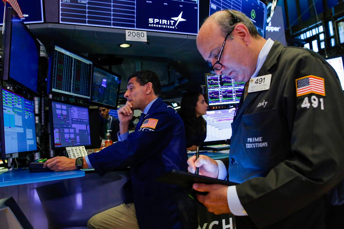 Trump tweetstorm sinks Wall Street as trade war rages on