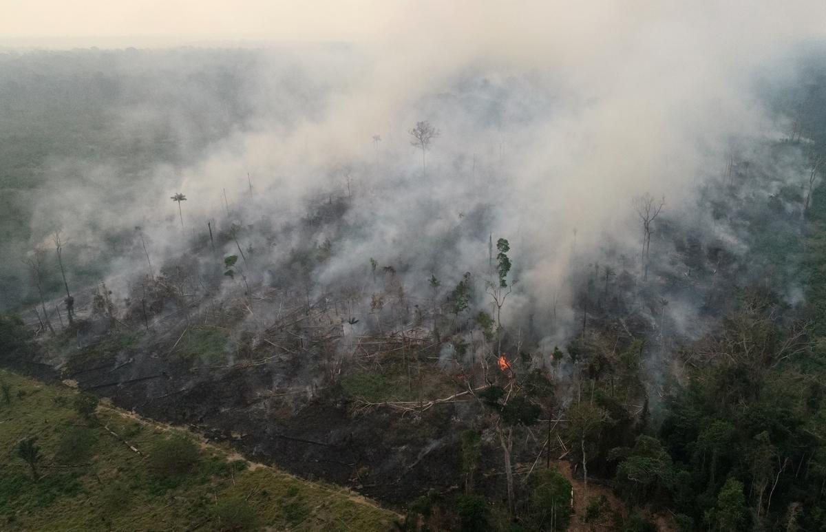 Brasilië sê aan ambassadeurs geen tyd af weens die brande van Amazon nie