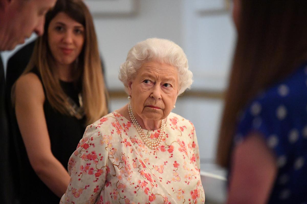 Die koningin van Brittanje kan Woensdag gevra word om die parlement te skors: BBC-joernalis