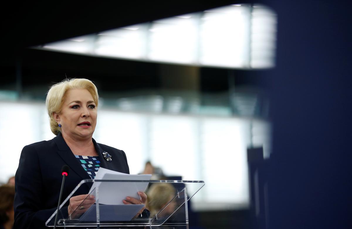 Roemeense president sê daar is oplossings as die regering nie die vertroue stem nie