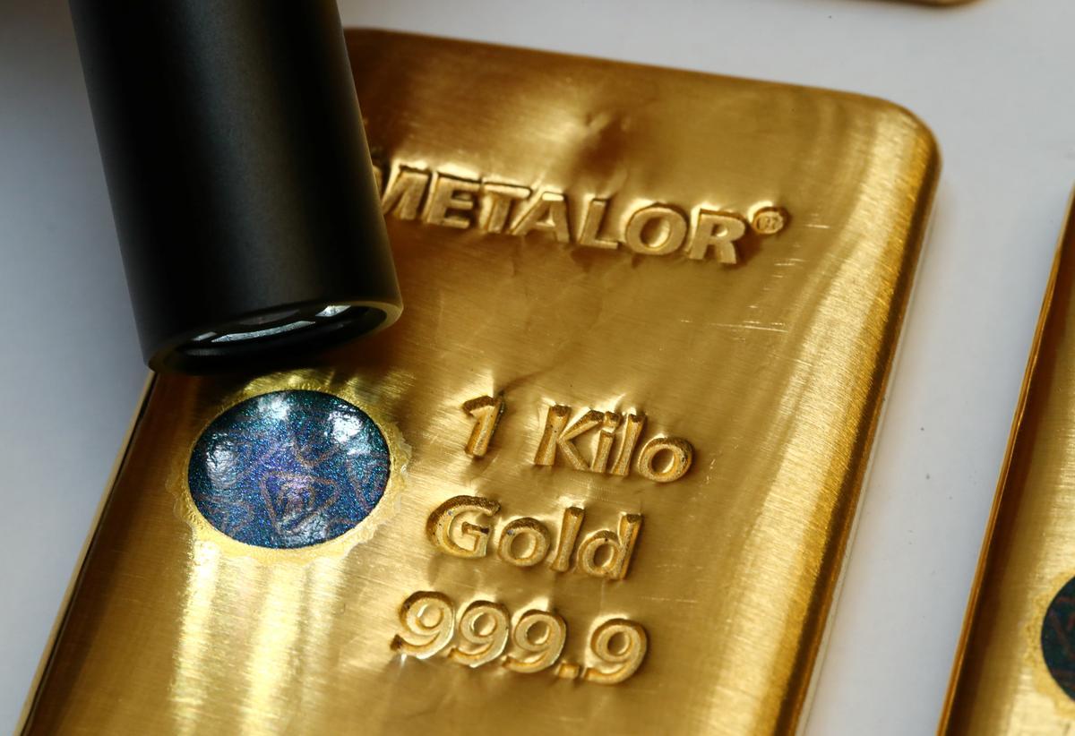 世界市場に「汚れた金塊」出回る、精巧な偽造印で違法品を洗浄 - ロイター