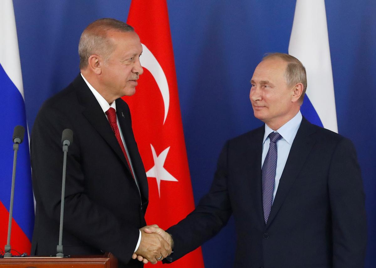 Erdogan sê Russiese vliegtuie; beplan om Trump in New York te ontmoet