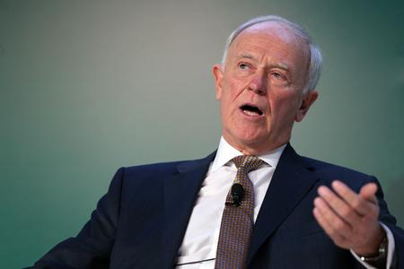 Emirates' Clark says needs better engine reliability before it will take new planes
