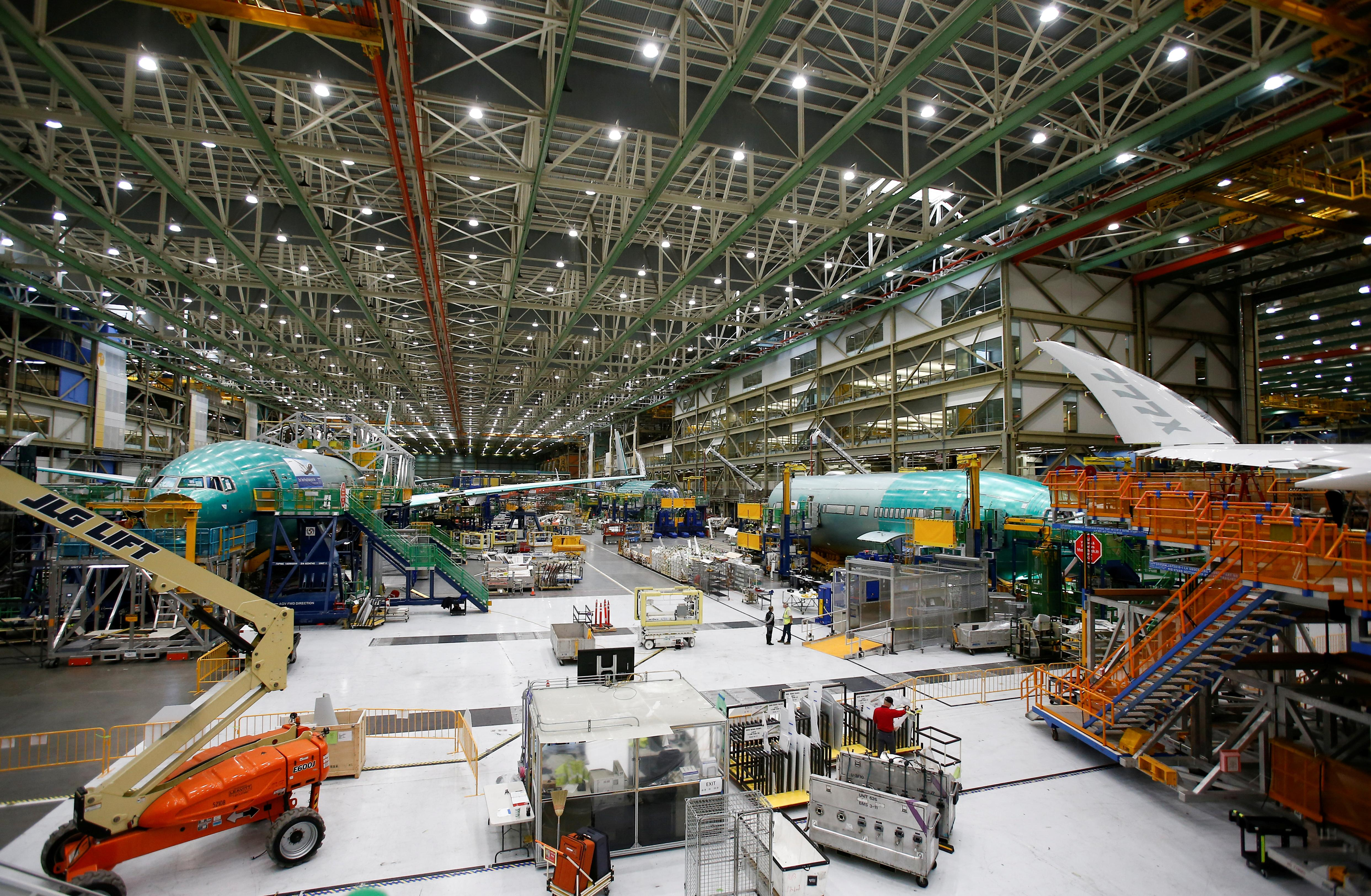 Boeing suspends load test for new 777X aircraft