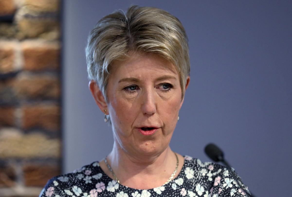 Die voormalige Britse parlementslid Angela Smith sal hom by die party van die liberale aansluit: The Times