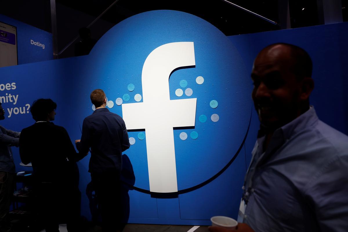 Facebook ontken dat dit die skuld is ná Russiese politieke reklamebeskuldiging