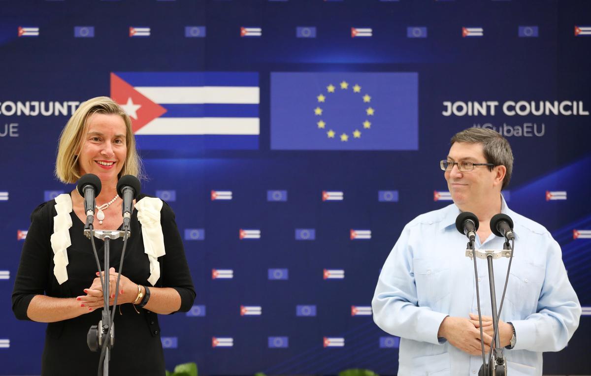 Die EU beklemtoon steun vir Kuba, selfs as die VSA sanksies opskerp