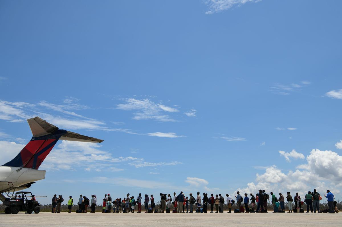 VSA werk om slagoffers in die Bahamas in te neem - waarnemende grenshoof
