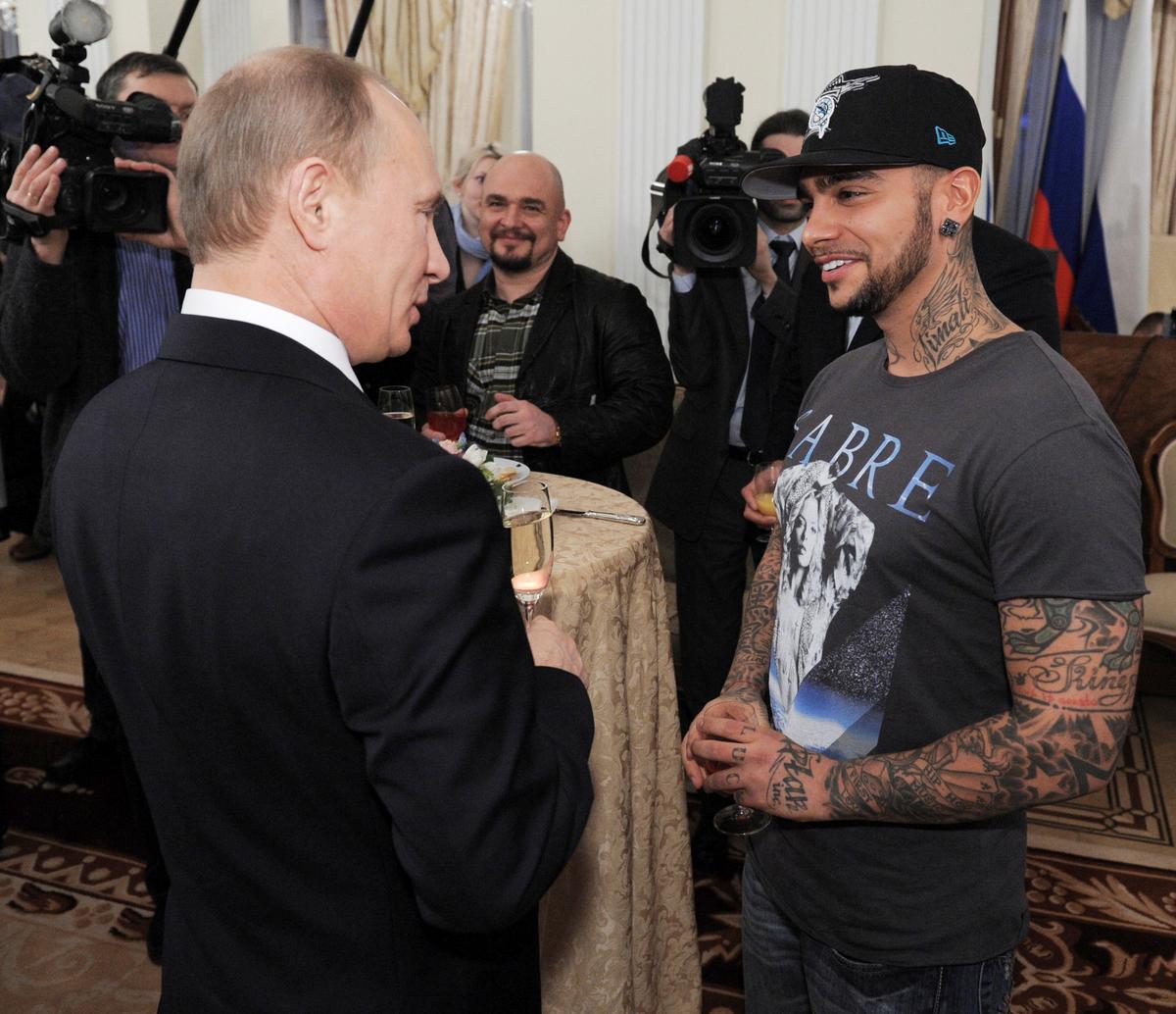 Pro-Kremlin rapper verwyder nuwe liedjie-betogers ná uitroep