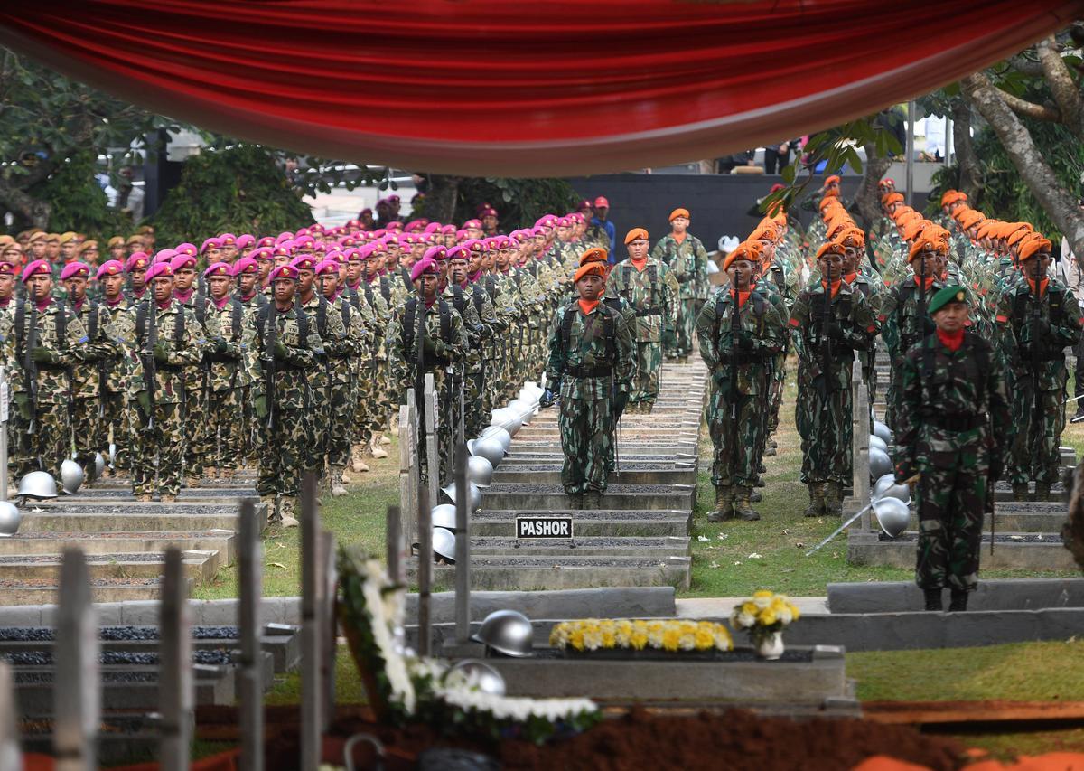 Habibie, Indonesië, president tydens oorgang na demokrasie, sterf op 83