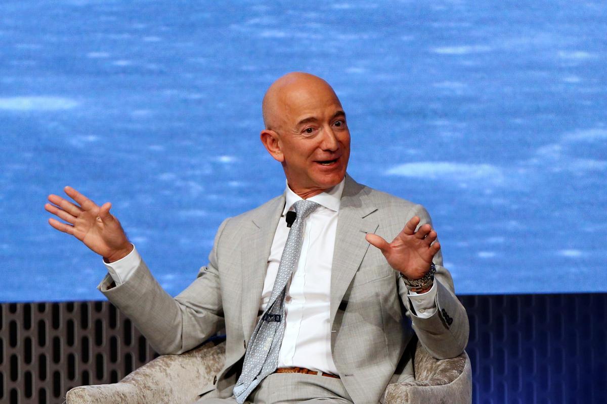 Drie Amerikaanse senatore doen 'n beroep op Bezos van Amazon om bestuursmishandeling na te gaan