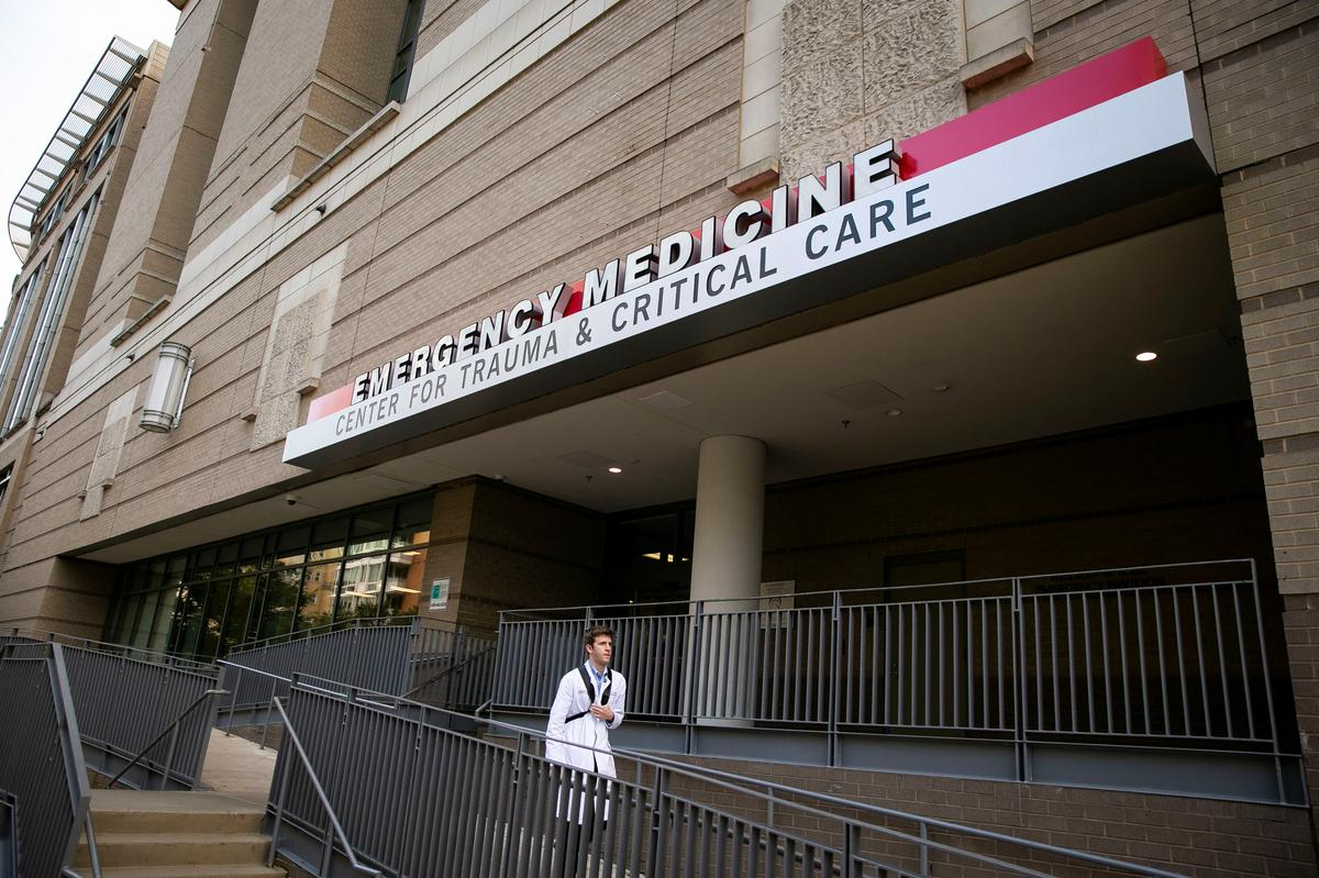 Kuwait's emir leaves U.S. hospital after completing medical tests ...