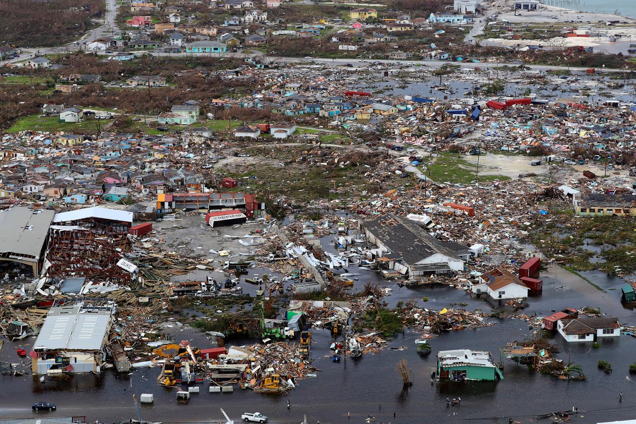 Photo of تحذير من إعصار مداري في جزر الباهاما