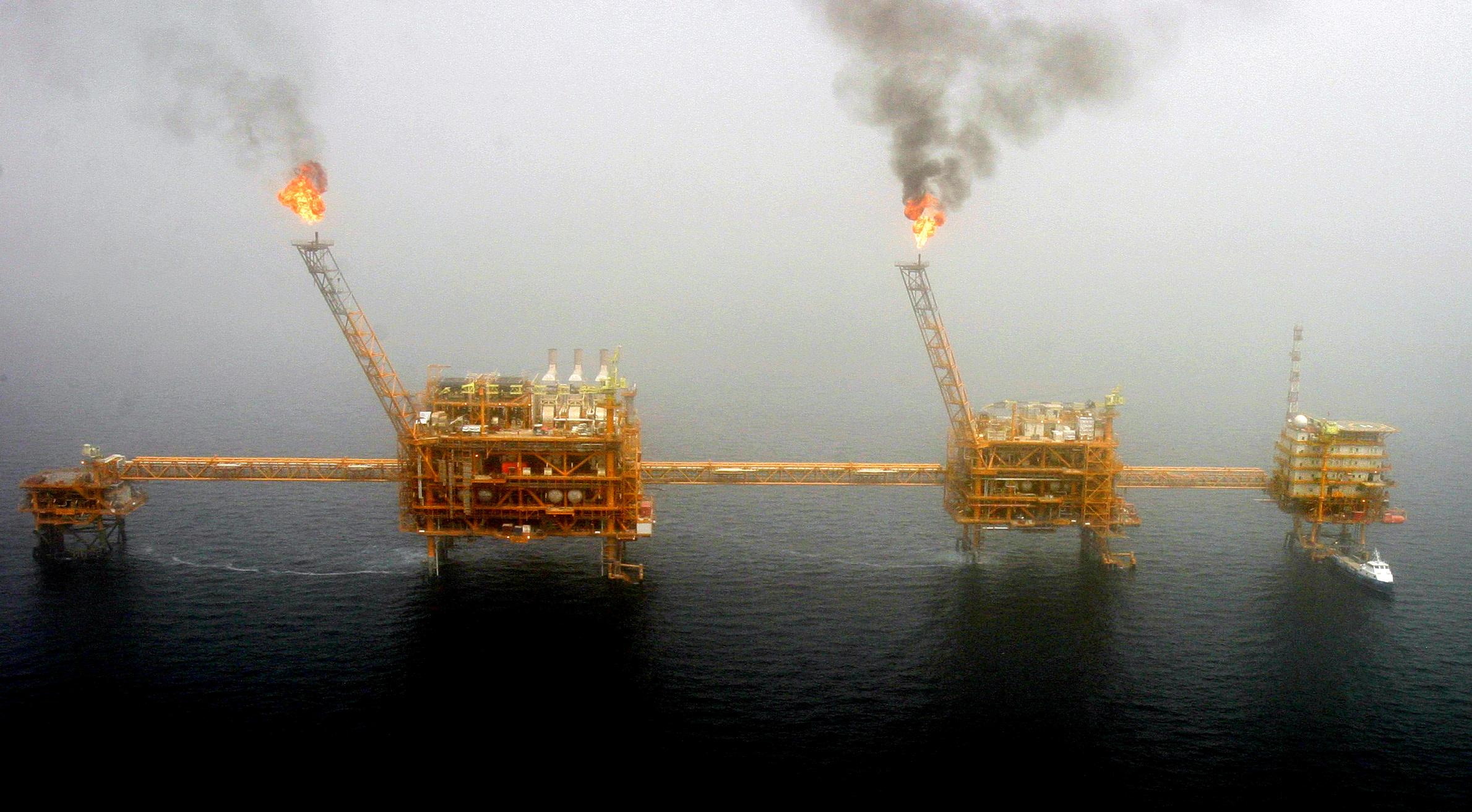Iran says it will adopt maximum crude output policy if U.S. lifts sanctions