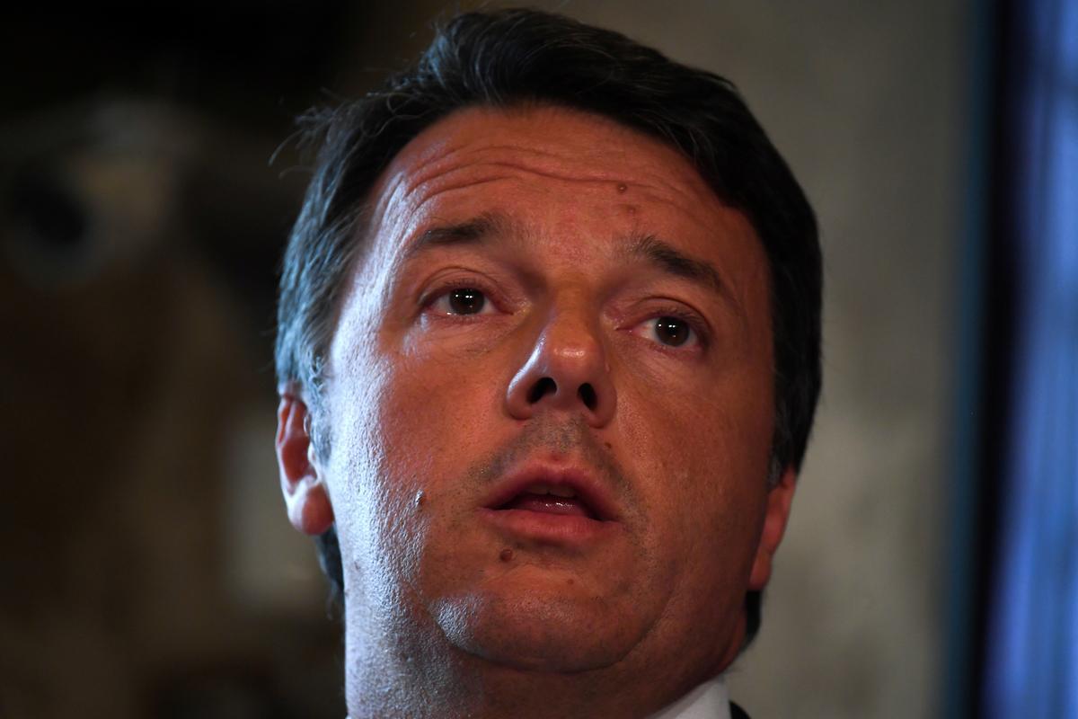 Italië se Renzi is gereed om wegbreekparty te vorm, wat die nuwe regering bemoeilik