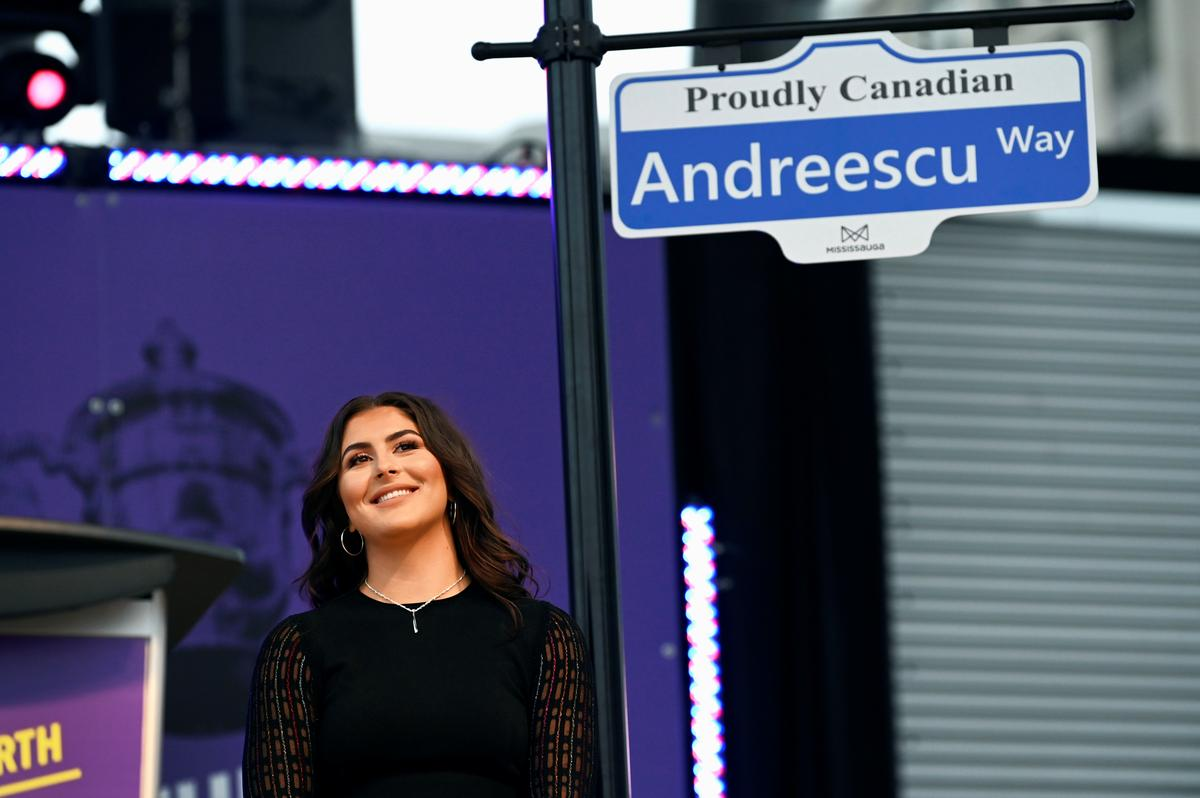 Canada's 'Queen B' feted by hometown crowd