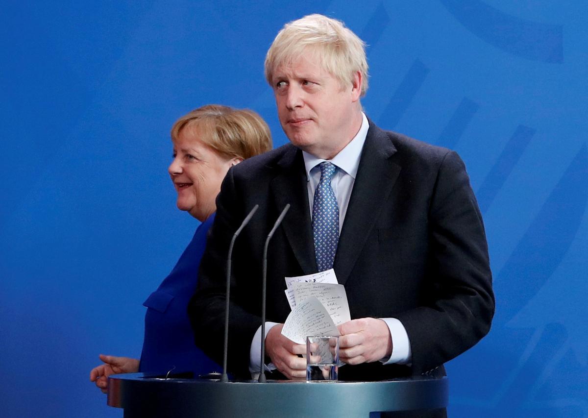 UK sal energiek aan die Brexit-ooreenkoms werk, sê premier Johnson aan Merkel: woordvoerder