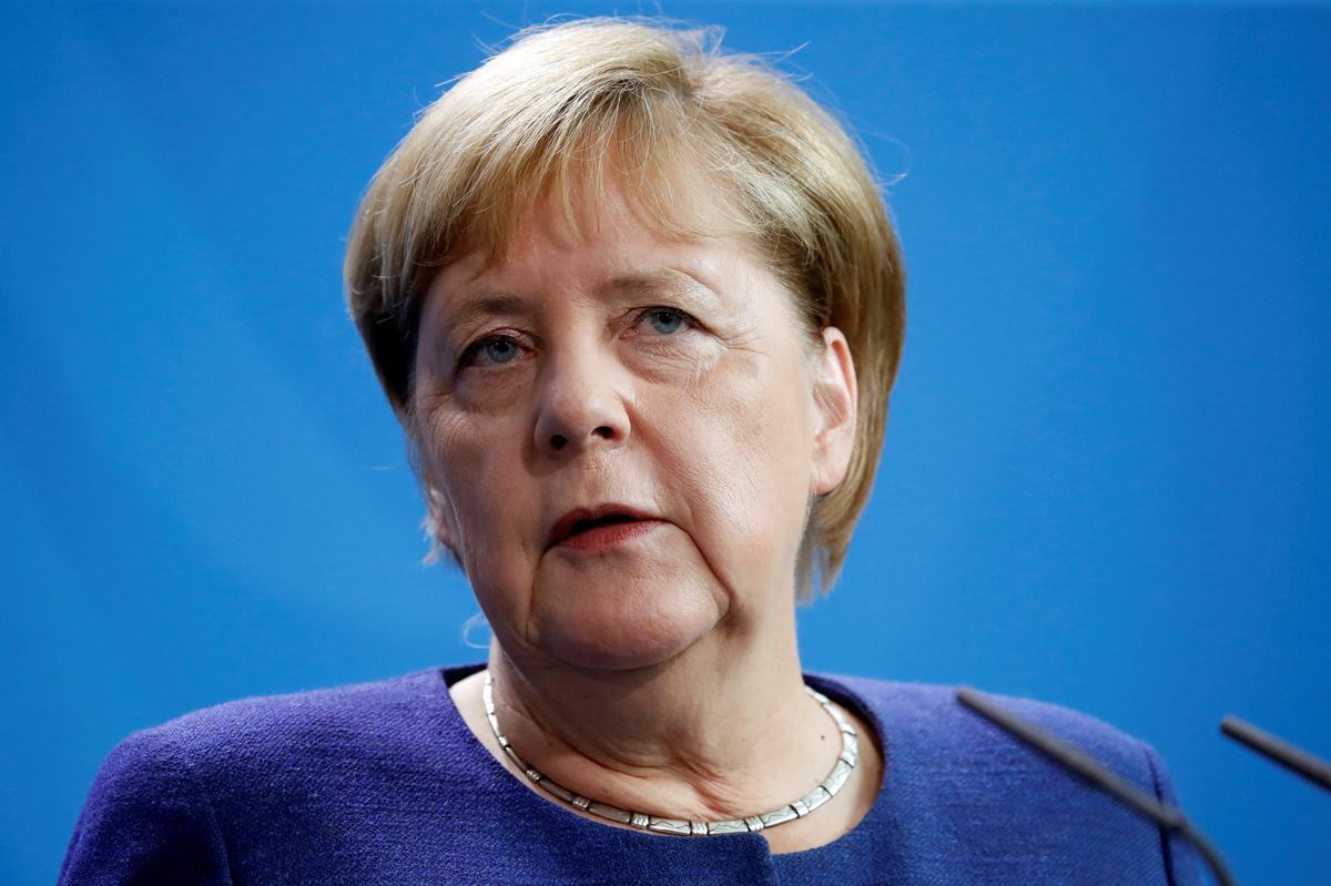 Merkel stel voor dat sy die uitvoer van wapens na Saoedi wil stop