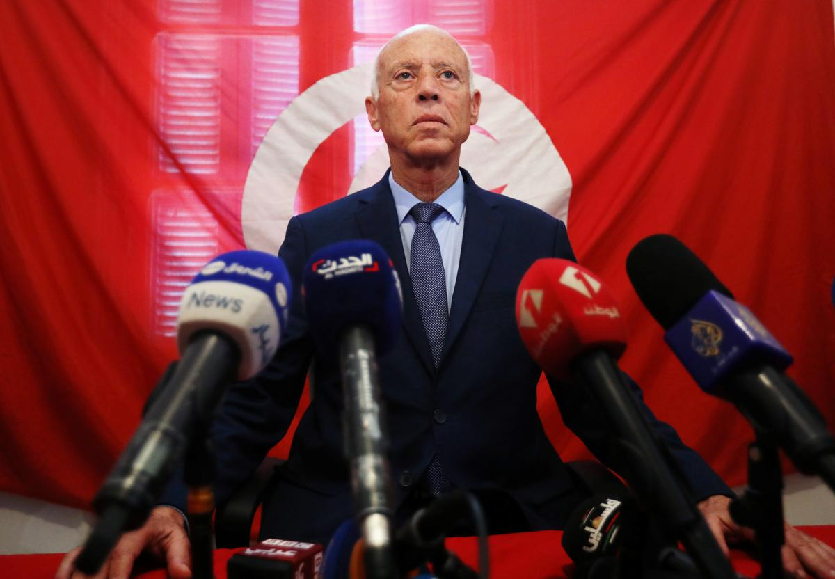 Tunisië bevestig Saied, Karoui, om die presidensiële afloop te stem