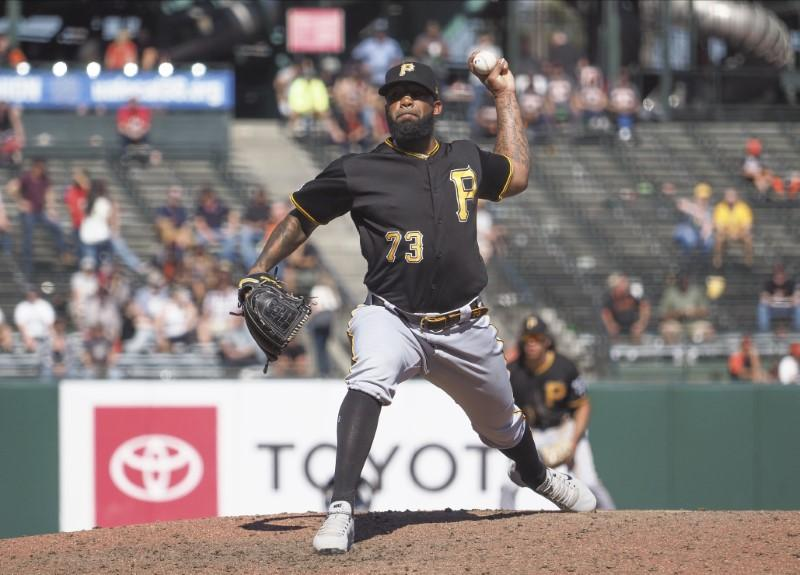 Pittsburgh pitcher Vázquez arrested on charges of soliciting teen for sex