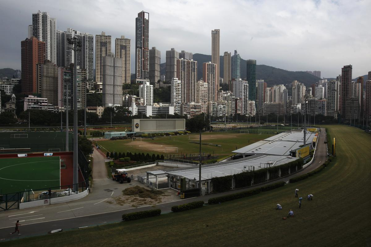 Happy Valley-perdewedrenne laat vaar ná protesbedreiging in Hong Kong
