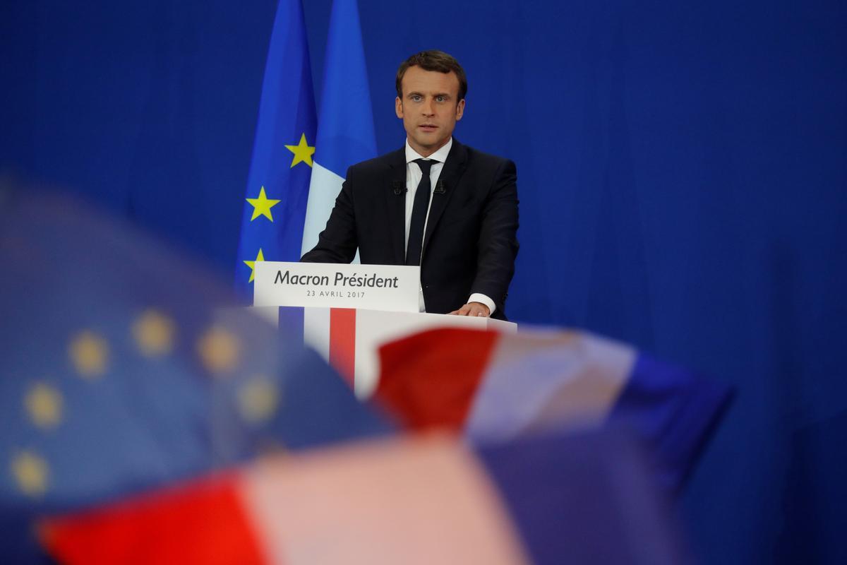 Frankryk se Macron ontmoet Qatari-emir na aanleiding van Saoedi-olie-aanval