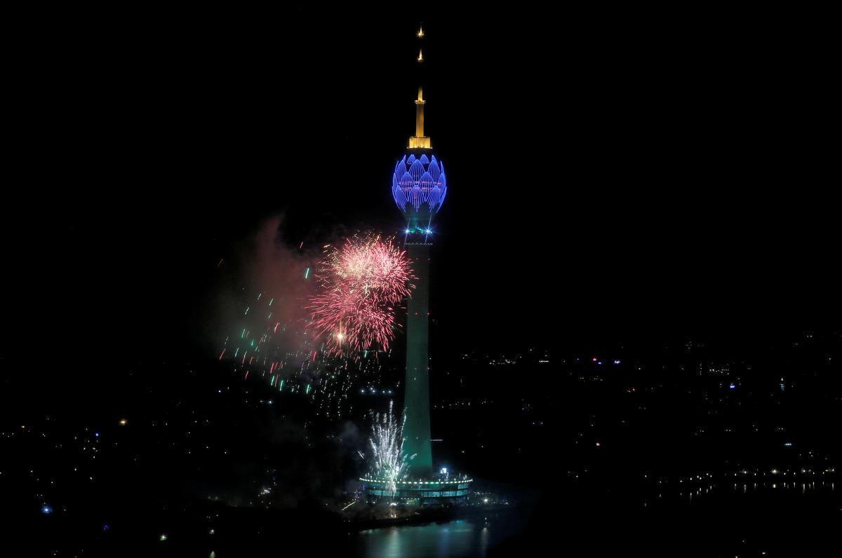 Sri Lanka-wetgewers moet die bewering van die ent van Lotus Tower ondersoek