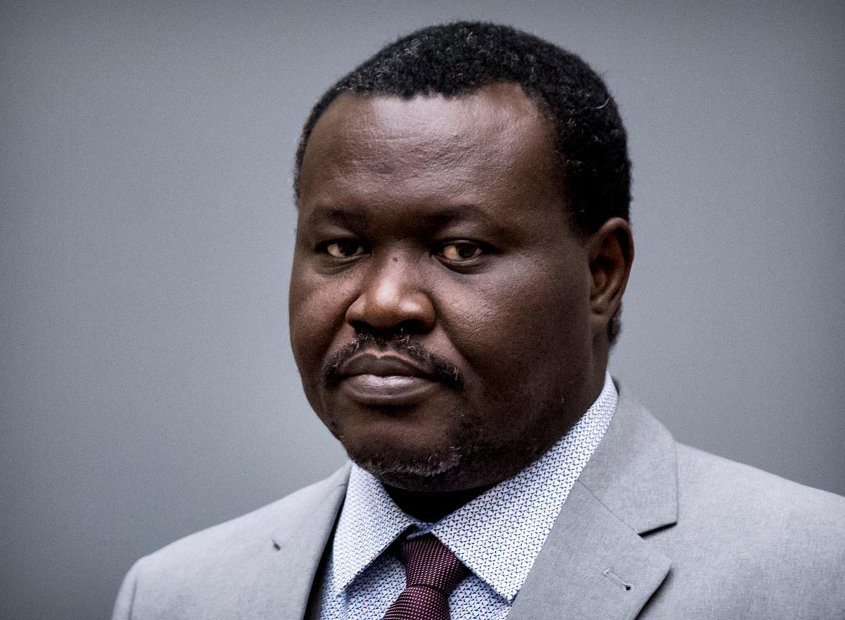 Verdagtes in Sentraal-Afrika, een, 'n sokkerbaas, staan tereg op aanklagte van oorlogsmisdade